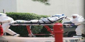Mujer estadounidense infectada de ébola, llega a Atlanta para recibir tratamiento
