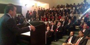 """Reducción de """"pluris"""" es compromiso de EPN: Camacho"""