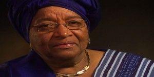 Presidenta de Liberia despide a ministros