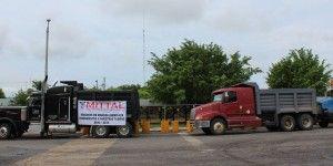 Bloquean transportistas las minas de Arcelor en Michoacán