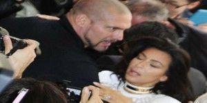 Kim Kardashian sufre ataque en el Paris Fashion Week