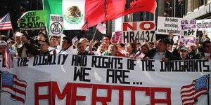 Los mexicanos son más peligrosos que los tiburones: Ann Coulter