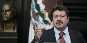 Improcedente la denuncia contra Monreal y Morena: INE