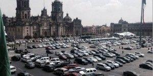 Seguridad Pública analiza medidas por autos estacionados en el Zócalo