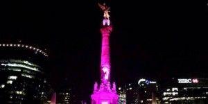 Iluminan monumentos contra el cáncer de mama