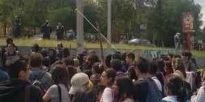 Toman estudiantes FES Acatlán en apoyo a normalistas
