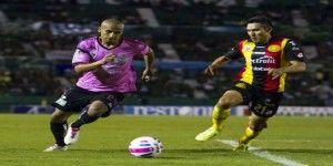 Jaguares rescatan empate ante Leones Negros