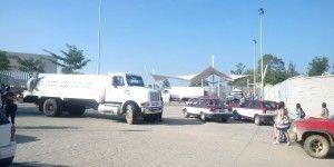 Bloquean transportistas accesos de Ciudad Judicial en Oaxaca