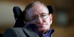 Stephen Hawking teme no ser bienvenido en EE.UU. por Trump