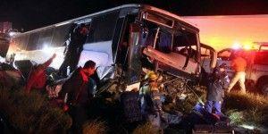 Accidente en carretera Saltillo-Monterrey deja 16 heridos