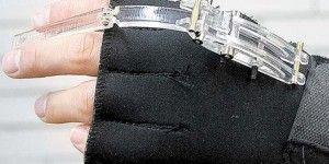 UNAM crea ortoprótesis para flexionar mano inmóvil