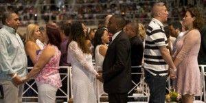 Se casan casi 2 mil parejas en boda masiva en Brasil