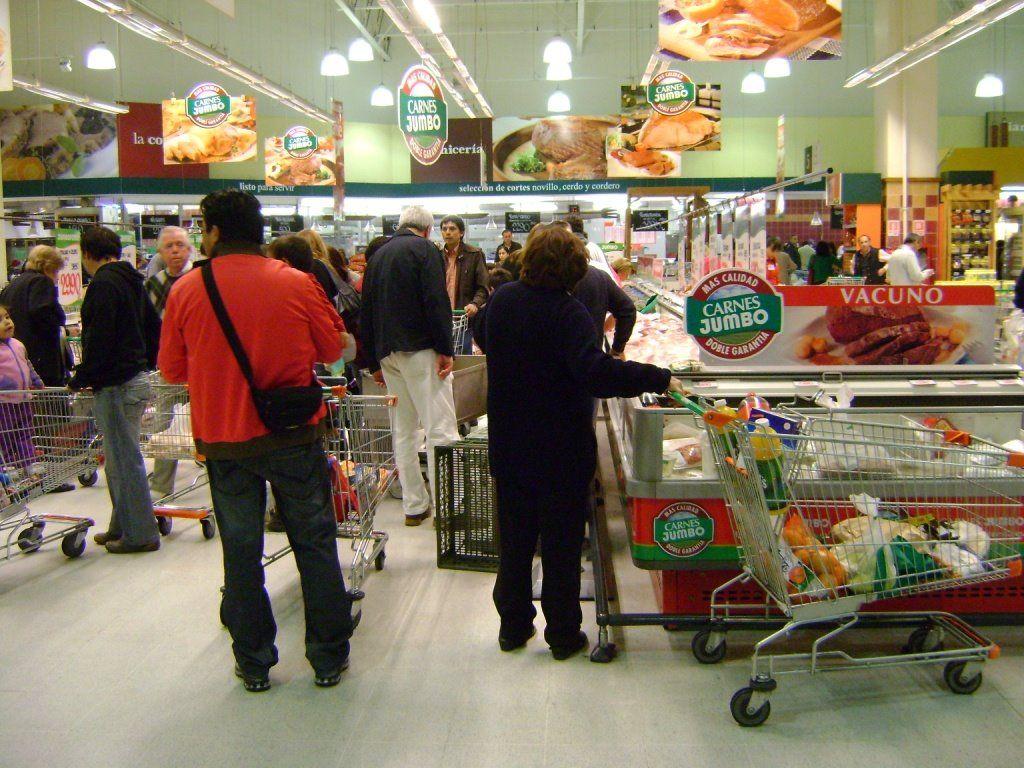 Crece 0.2 por ciento consumo privado en agosto