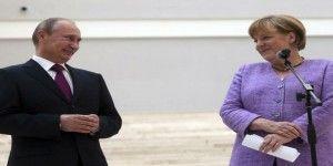 Putin y Merkel discrepan por Ucrania