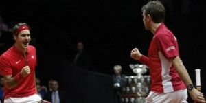 Ganan Federer y Wawrinka en final de Copa Davis