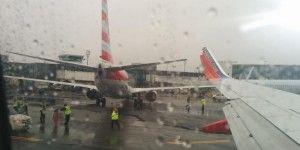 Chocan dos aviones en aeropuerto de Nueva York