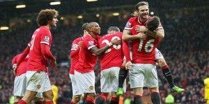 Manchester United golea en el clásico inglés