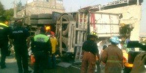 Muere joven en Ecatepec por volcadura de camión
