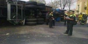Dos lesionados por choque entre camión y tren
