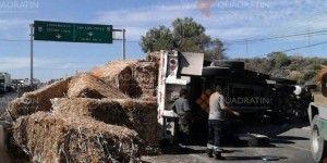 Volcadura de tráiler en carretera Querétaro – Celaya