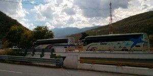 Secuestran normalistas 10 camiones en Chilpancingo