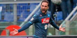 Napoli gana a Lazio y es tercero
