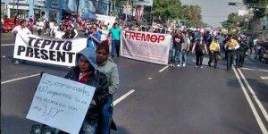Comerciantes se manifiestan contra reforma fiscal