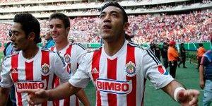 Marco Fabián fuera tres semanas por lesión
