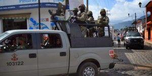 Café político: ¿cómo informar los operativos contra el Chapo?
