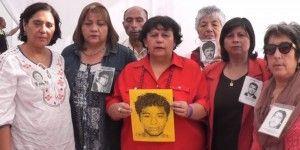 Se solidarizan en Chile por los 43 normalistas