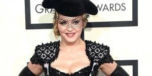 Los peores vestidos en los Grammys