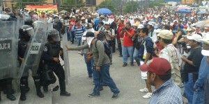 Maestros marchan en Chilpancingo
