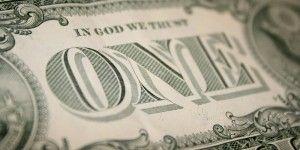 Dólar cierra en 16.90 pesos