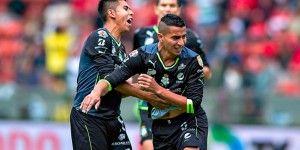 """""""Pulpo"""" González salva a Santos"""