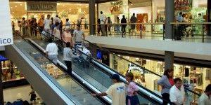 """Hallan a """"desaparecida"""" paseando en centro comercial"""