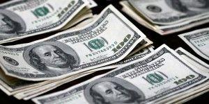 Se recupera el dólar; cerró en 15.73 pesos