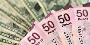 Cierra dólar en 16.90 pesos