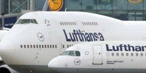 Detienen a sujeto que intentó abrir puerta de avión durante vuelo