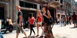 Aumentan impuesto para turistas extranjeros en México