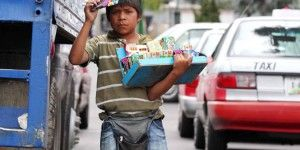 Más de 900 mil niños trabajan en México