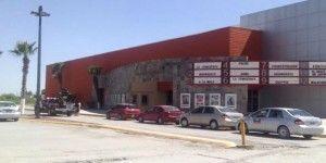 Asaltan salas de cine en Torreón