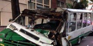 Fuerte accidente de microbuses en Anzures