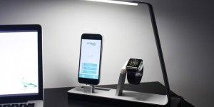 Lámpara LED que carga iPhone y Apple Watch
