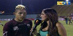 Agreden a futbolista que era entrevistado en Venezuela