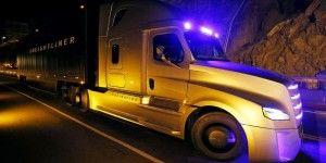 Primer camión que se conduce solo, va a carretera