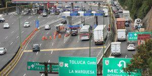 Manifestantes secuestran autobuses en la México-Toluca