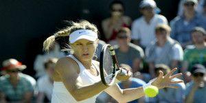 Multan a tenista que utilizó ropa interior negra en Wimbledon