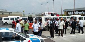 Transportistas bloquean la Autopista México-Pachuca