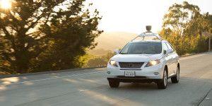 Vehículo autónomo de Google tiene accidentado debut