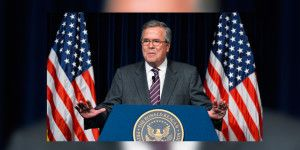 """Construir muros no es """"anticristiano"""": Jeb Bush"""
